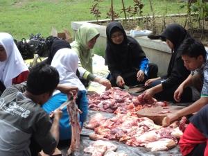 Mahasiswa PGSD Gelar Kegiatan Qurban – Yuli Witanto's BLOG