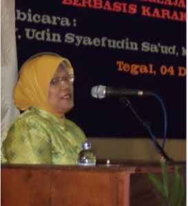 Sambutan Kajur sekaligus membuka kegiatan seminar